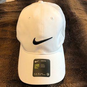 ✨Nike Legacy91 Dri-Fit Hat